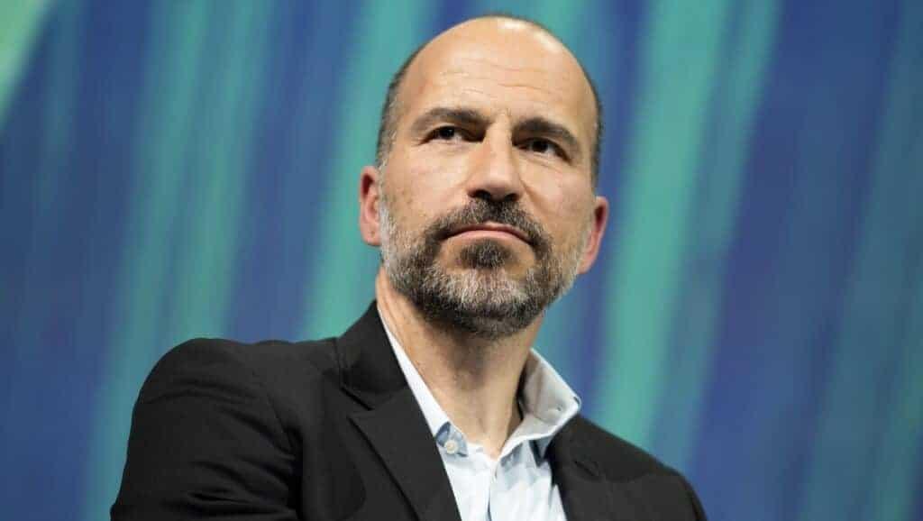 O CEO da Uber, Dara Khosrowshahi, disse que continuará atuando no setor de carros autônomos por meio de parceria com a Aurora. Imagem: Frederic Legrand/Shutterstock