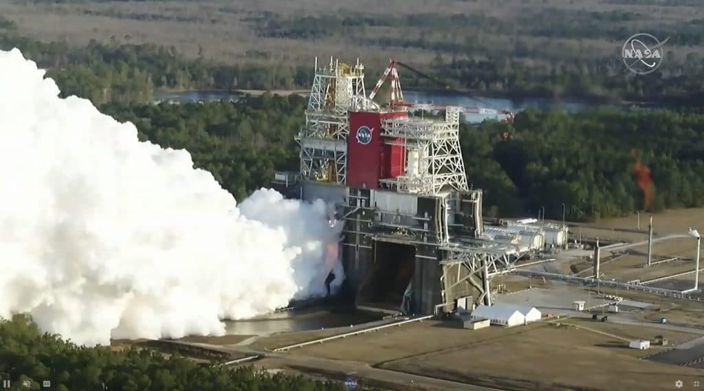 Vista inferior do exame do foguete SLS, pouco antes da avaria.  Imagem: NASA
