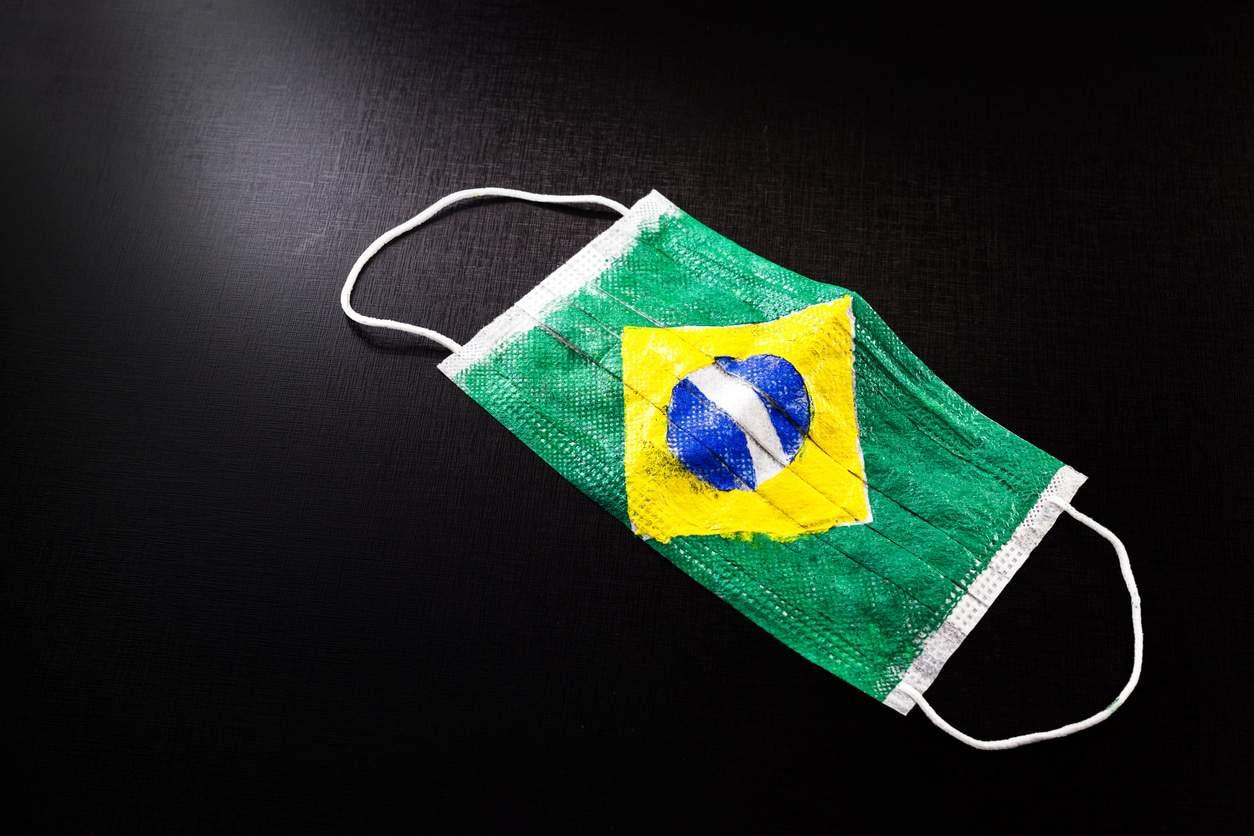 Covid-19: Brasil tem 1.202 mortes nas últimas 24h; total ultrapassa 216 mil