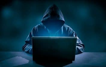 """""""Hacker sincero"""" ataca y ridiculiza a DataSUS nuevamente"""