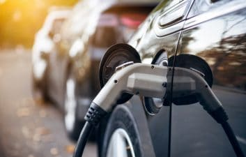 Smart battery for electric cars offers 400 km range