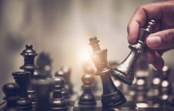 """El sistema de inteligencia artificial juega al ajedrez """"pensando"""" como un humano"""