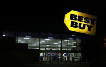 Best Buy anuncia el despido de 5 empleados y el cierre de tiendas