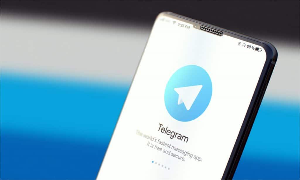 Falha no Telegram foi descoberta em setembro de 2020, corrigida rapidamente com duas atualizações de segurança. Imagem: Tashatuvango/Shutterstock